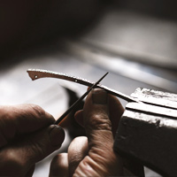 Dozorme of high-end knives in Auvergne